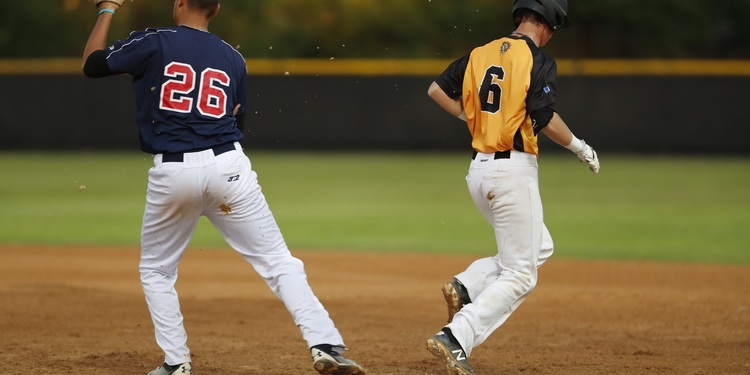 Lightning Score Four Runs on No Hits in The Ninth Inning, Walk-Off Against Winter Park